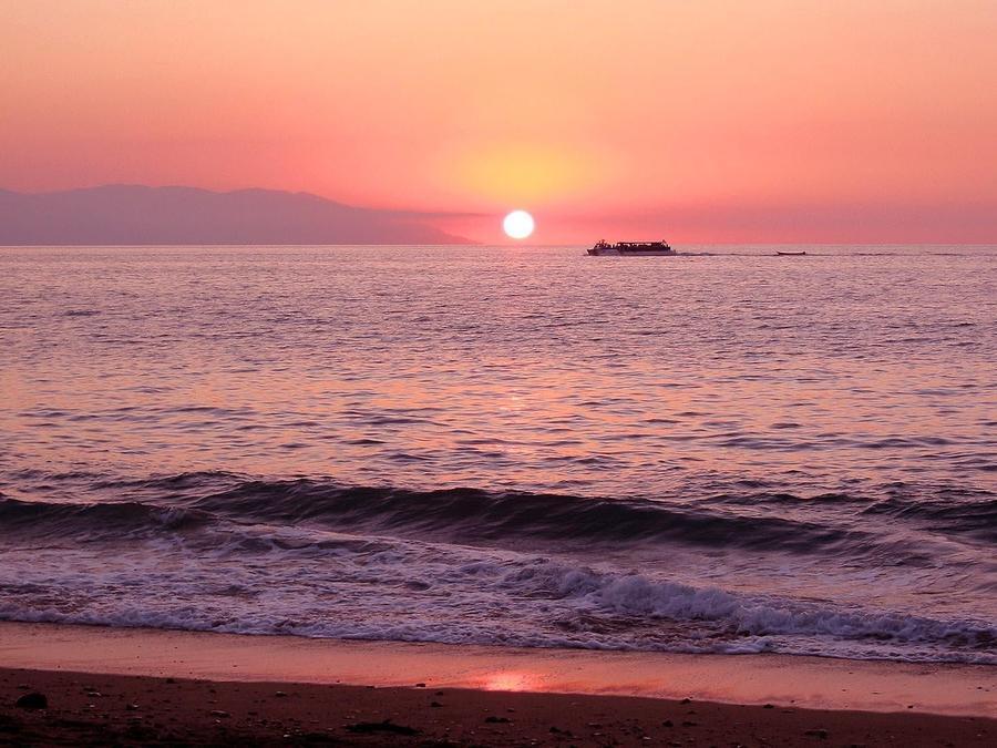 Обои - Загадочные Моря Природа, Море, Восход, Закат, Дельфины, Берег Моря 883957091